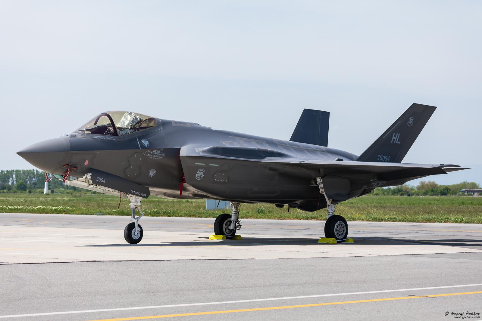 F-35 на посещение в България
