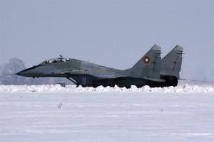 МиГ-29УБ рулира