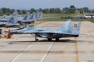 МиГ-29 рулира към мястото за установяване