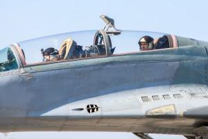 генерал-майор Радев във втора кабина на МиГ-29УБ