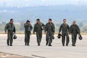български пилоти се прибират от старта
